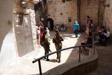 Naissotilaita Jerusalemissa