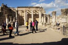 Kapernaum, synagogan raunioita